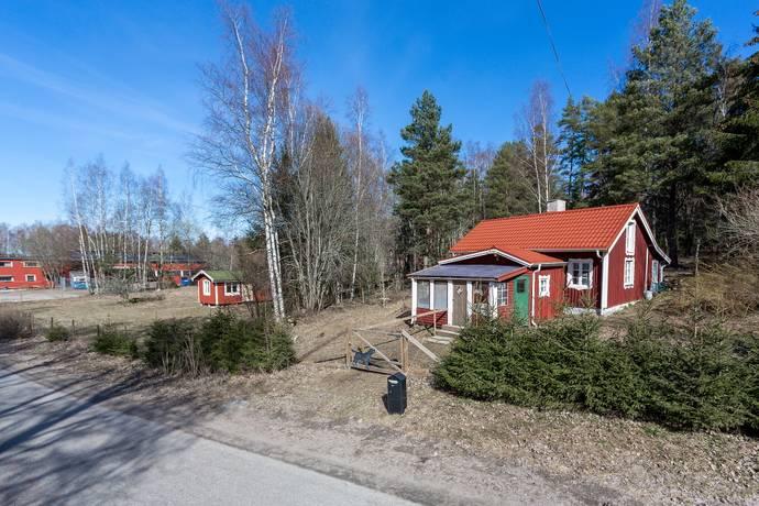 Bild: 3 rum villa på Lockmora 101, Kungsörs kommun