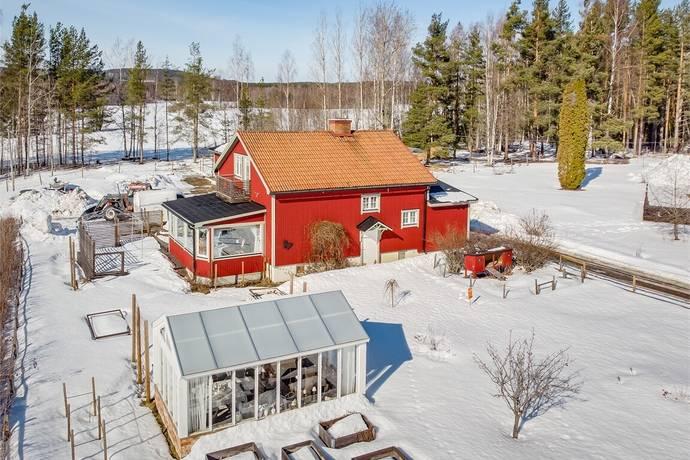 Bild: 4 rum villa på Norra Lingbovägen 1 och 3, Ockelbo kommun Lingbo