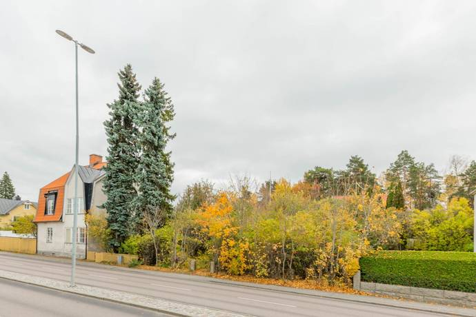 Bild: tomt på Köpingsvägen 23, Västerås kommun