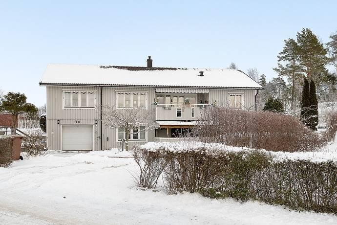 Bild: 7 rum villa på Furuhällsvägen 10, Håbo kommun Bålsta - Furuhäll