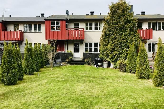 Bild: 6 rum radhus på Knipvägen 10, Österåkers kommun Margretelund - Tråsättra