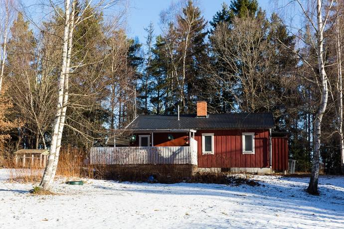 Bild: 3 rum fritidshus på Remmarevägen 4, Enköpings kommun Bryggholmen
