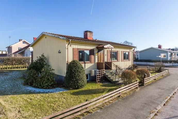 Bild: 4 rum villa på Borgmästaregatan 14, Falkenbergs kommun Herting