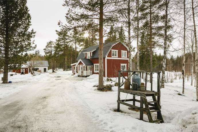 Bild: 4 rum villa på Brännkläppsvägen 4B, Bodens kommun Svartbjörsbyn