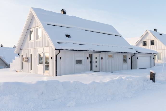 Bild: 5 rum villa på Granskogsgatan 1, Luleå kommun Hällbacken