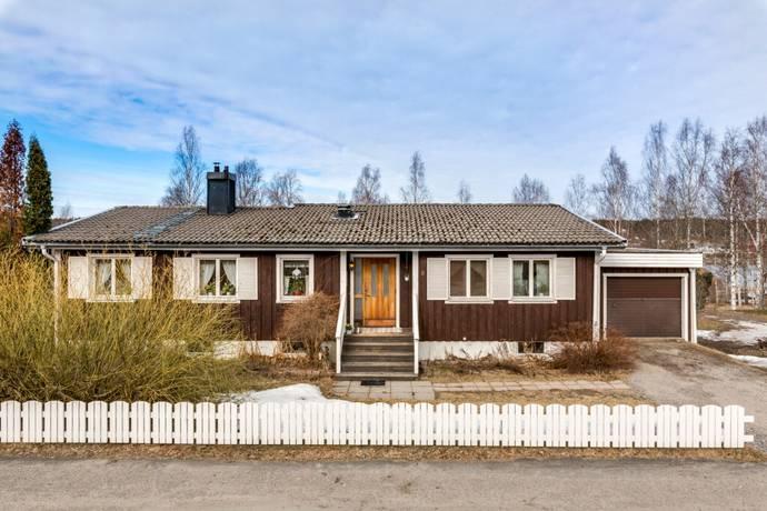 Bild: 7 rum villa på Björneborgsvägen 8, Söderhamns kommun Bergvik