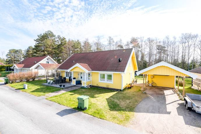 Bild: 4 rum villa på Kampegårdsvägen 16, Strömstads kommun Flöghult