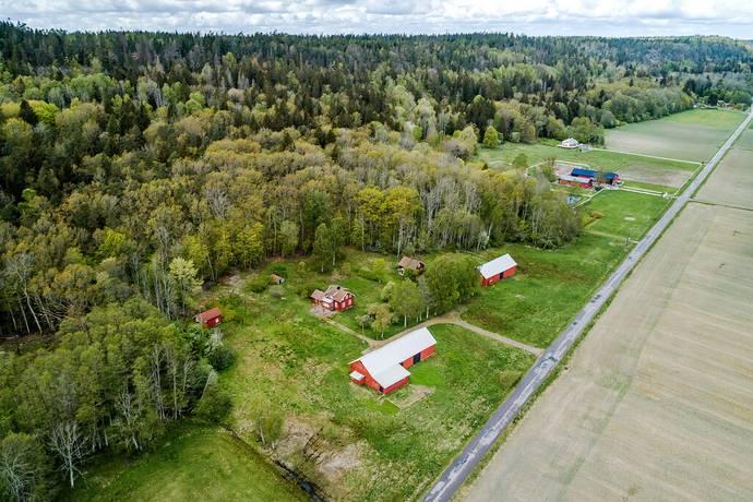 Bild: 4 rum gård/skog på Garpetorp 5, Grästorps kommun Flo