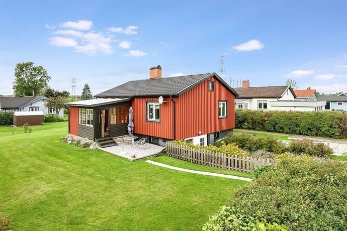 Bild: 4 rum villa på Häggstigen 1, Kumla kommun Fylsta