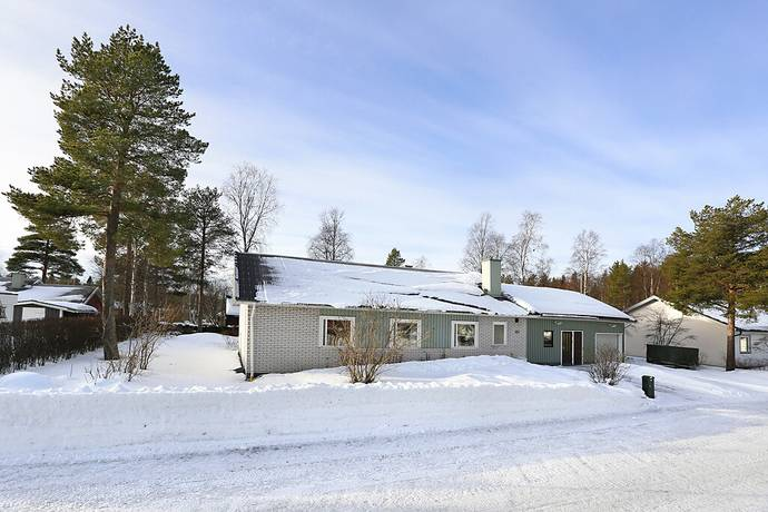 Bild: 6 rum villa på Midsommarvägen 20, Luleå kommun Björkskatan