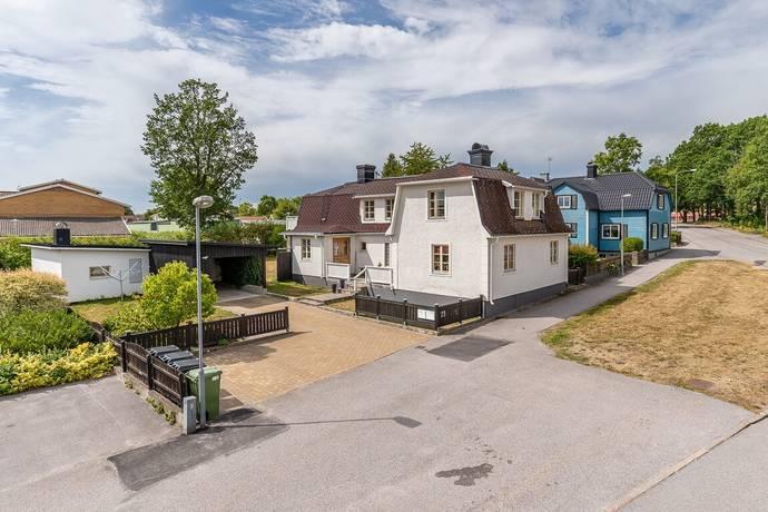 Bild: 7 rum villa på Stora Trädgårdsgatan 23, Västerviks kommun Peru