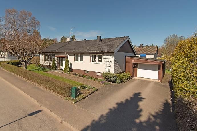 Bild: 5 rum villa på Backsippevägen 6, Linköpings kommun HJULSBRO