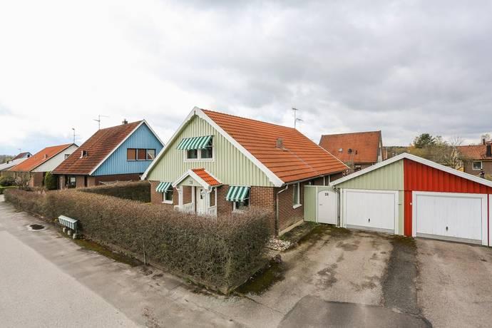 Bild: 5 rum villa på Ladugårdsvägen 28, Kungsörs kommun Söders gärde