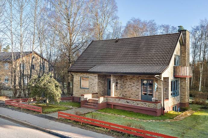 Bild: 7 rum villa på Unnarydsvägen 30, Ljungby kommun Lidhult