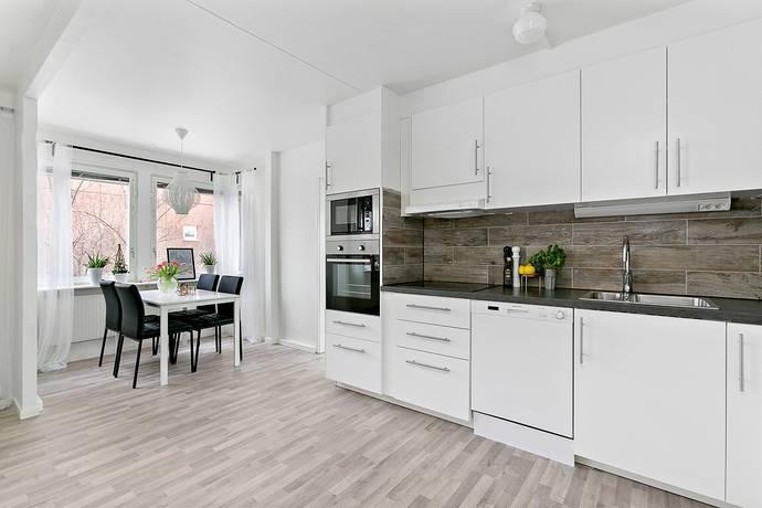 Bild: 4 rum bostadsrätt på Kaskögatan 2, entréplan, Stockholms kommun Akalla