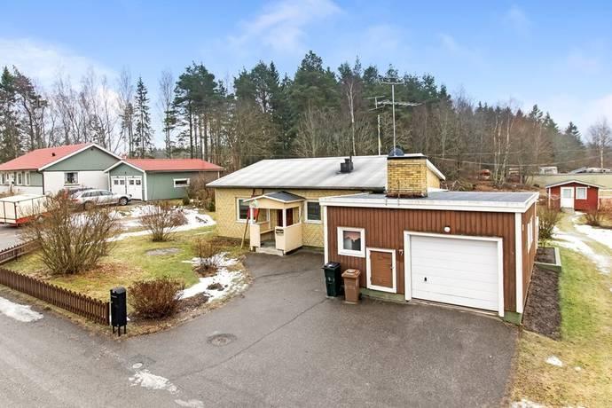 Bild: 3 rum villa på Badvägen 8a, Heby kommun Morgongåva