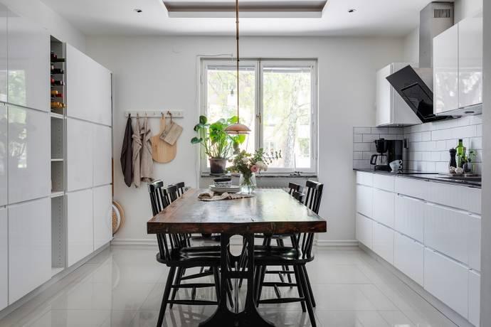 Bild: 3 rum bostadsrätt på Fyrskeppsvägen 100, Stockholms kommun Kärrtorp