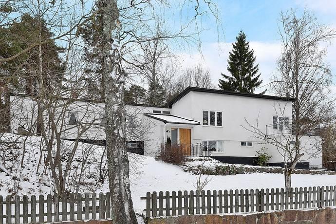 Bild: 8 rum villa på Klockar Malms väg 6, Danderyds kommun Danderyd Nora
