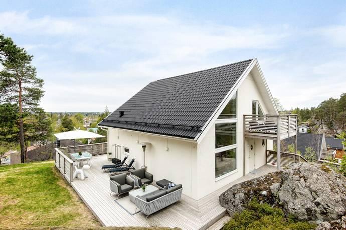 Bild: 7 rum villa på Häxvägen 4B, Tyresö kommun Trollbäcken