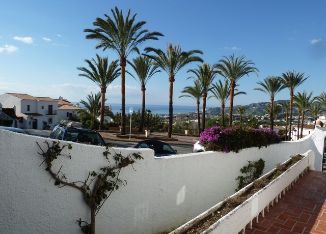 Bild: 3 rum bostadsrätt på Trädgårdslägenhet i San Juan de Capistrano, Spanien Nerja