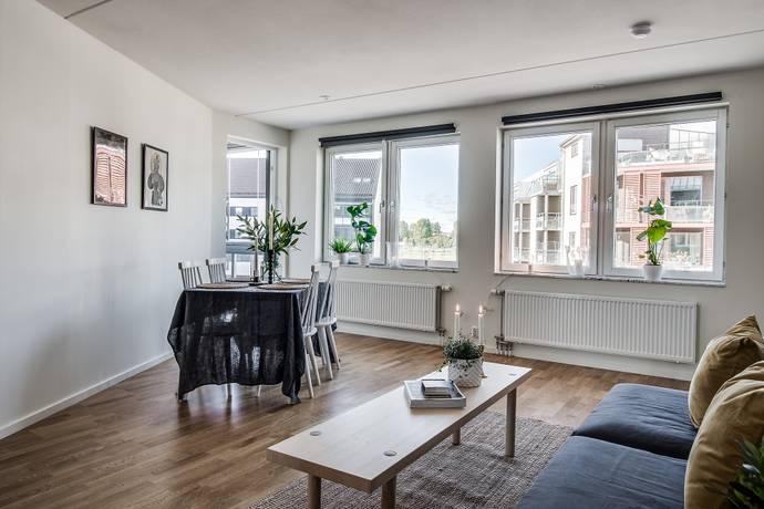 Bild: 4 rum bostadsrätt på Peppargatan 23, Örebro kommun Sörbyängen