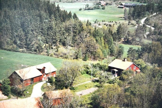 Bild: gård/skog på Löckerum 1, Västerviks kommun Gamleby