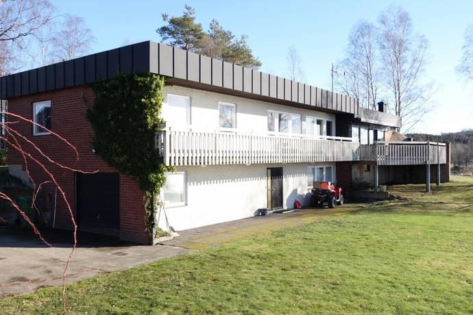 Bild: 6 rum villa på Bönarp 34, Varbergs kommun Valinge