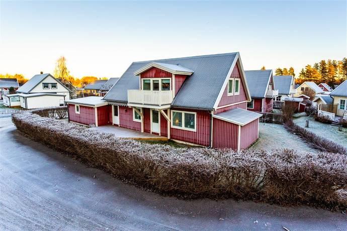Bild: 6 rum villa på Nyåkersvägen 44, Luleå kommun Södra Sunderbyn