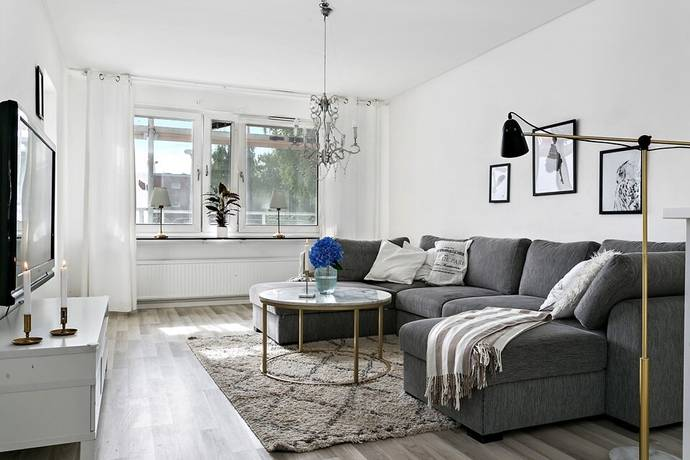 Bild: 3,5 rum bostadsrätt på Vänortsstråket 61 B, Sollentuna kommun Tureberg