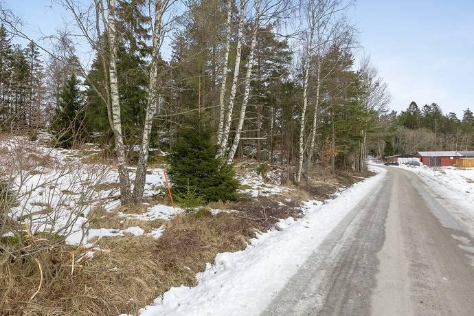 Bild: tomt på Tösslanda, Lilla Edets kommun Törresröd