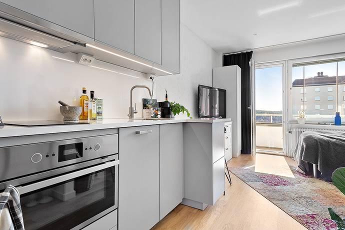 Bild: 1 rum bostadsrätt på Finntorpsvägen 10, Nacka kommun Finntorp