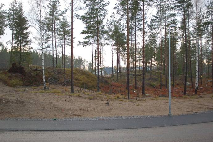 Bild: tomt på Tant Gredelins väg 24, Botkyrka kommun Uttran