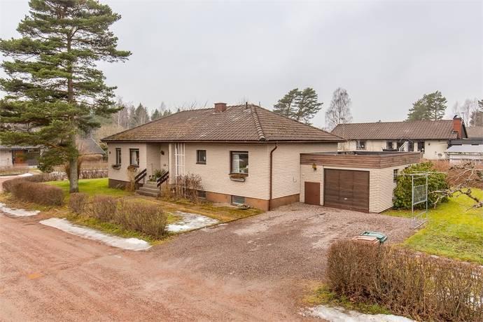Bild: 4 rum villa på Barrstigen 6, Kristinehamns kommun Djurgården