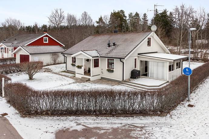 Bild: 5 rum villa på Prästgårdsvägen 15, Oskarshamns kommun Rödsle