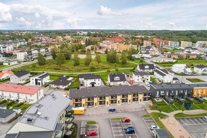 Bild: 5 rum radhus på Paprikagatan 8, Örebro kommun Sörbyängen