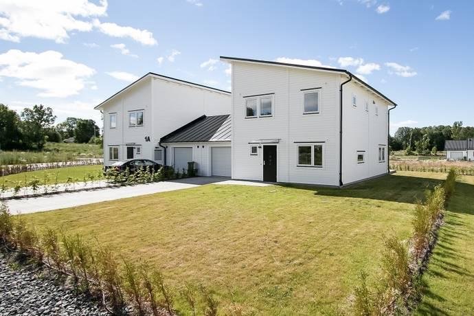 Bild: 5 rum villa på Albatrossgatan 1B, Lekebergs kommun Lanna