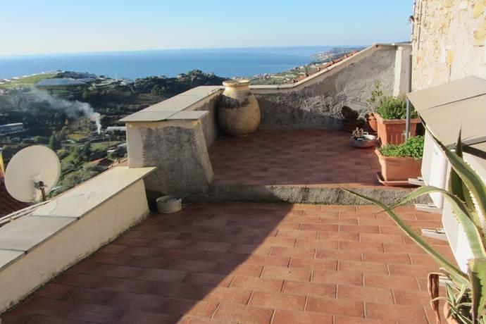 Bild: 3 rum bostadsrätt på Terzorio, Italien Ligurien