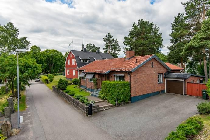 Bild: 5 rum villa på Linnévägen 9, Sandvikens kommun Centralt