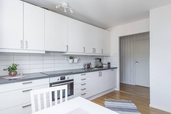 Bild: 4 rum bostadsrätt på Norrbackavägen 6, Oskarshamns kommun Norrtorn