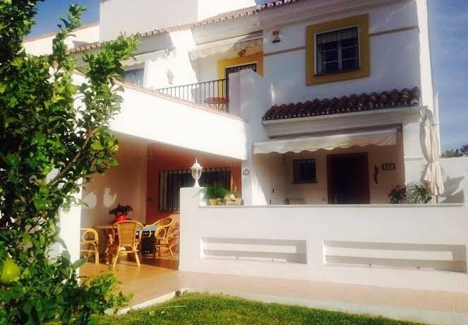 Bild: 4 rum bostadsrätt på Fint radhus med egen tomt och 3 sovrum, Spanien Marbella - Atalaya