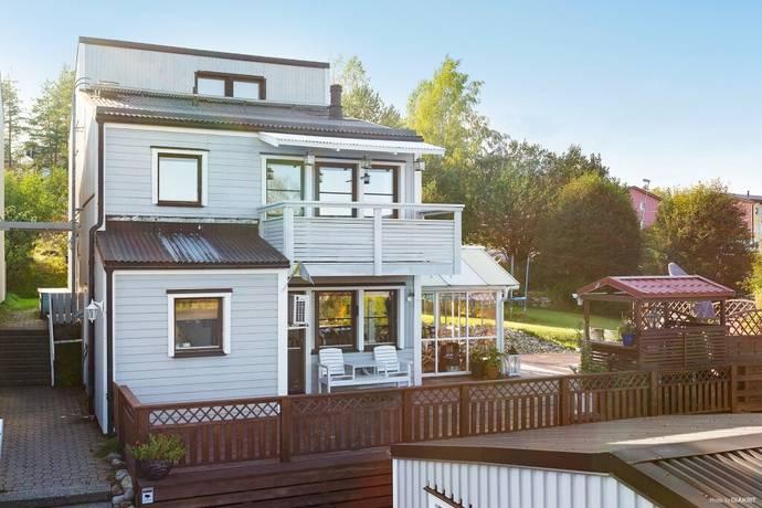 Bild: 6 rum villa på Lummerstigen 2, Härnösands kommun Gådeåberget