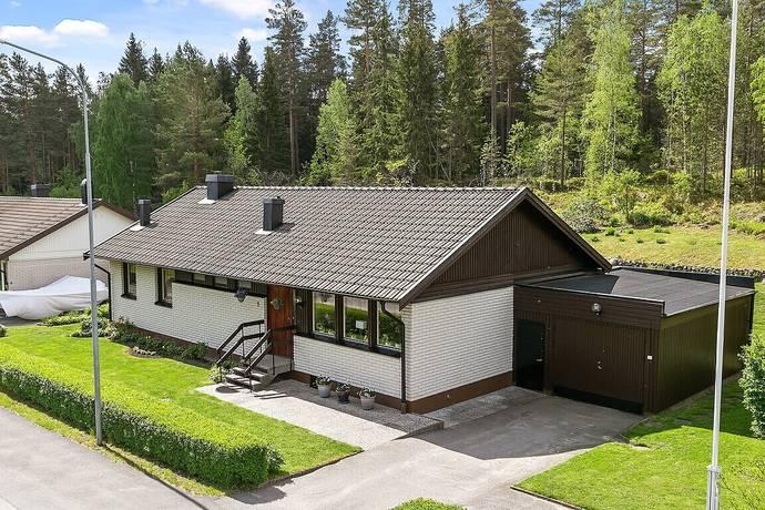 Bild: 6 rum villa på Skrovsjövägen 9, Norrköpings kommun Simonstorp
