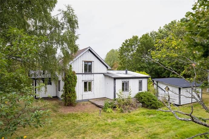 Bild: 115 m² villa på Helgesta 410, Örebro kommun Odensbacken