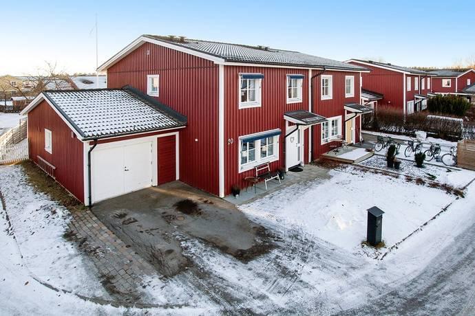 Bild: 6 rum radhus på Liljekonvaljvägen 20, Västerås kommun Norra Gryta