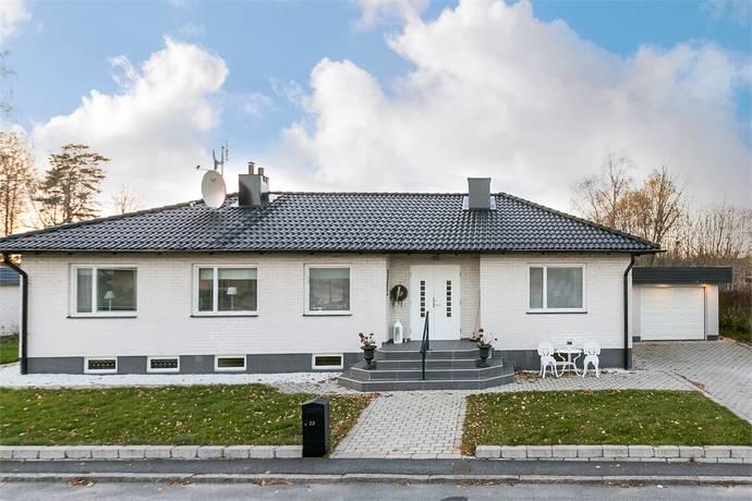 Bild: 5 rum villa på Nejlikegatan 22, Örebro kommun Mellringe