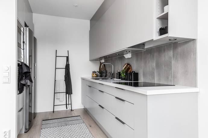 Bild: 2 rum bostadsrätt på Arvid Tydéns Allé 18, Solna kommun Solna
