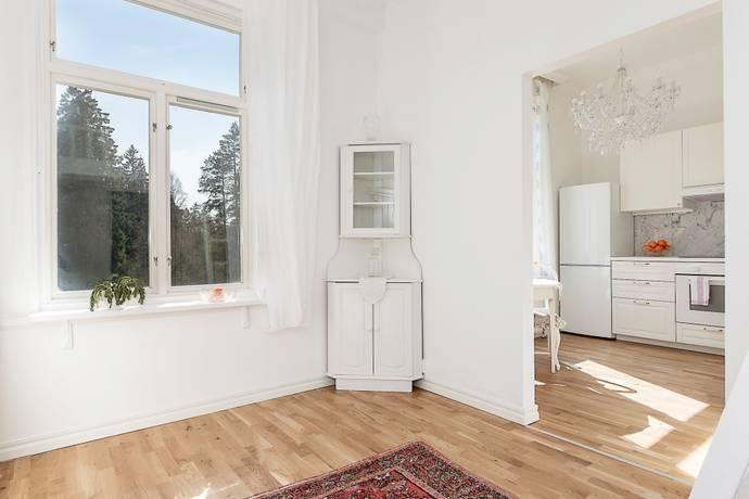 Bild: 1 rum bostadsrätt på Himmelsbodavägen 30 lgh 8, Botkyrka kommun Tumba  Skyttbrink/Himmelsboda
