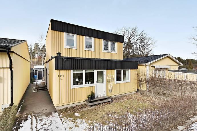 Bild: 5 rum radhus på Malungsvägen 104, Sollentuna kommun Viby