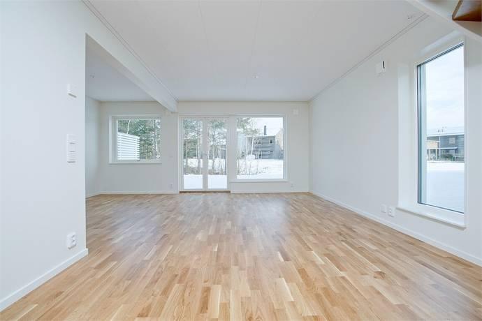 Bild: 4 rum radhus på Lillmossvägen 5A, Upplands-Bro kommun Kungsängen - Norrboda