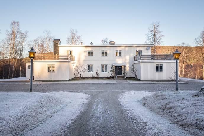 Bild: 8 rum villa på Skogsvägen 16, Örnsköldsviks kommun Köpmanholmen